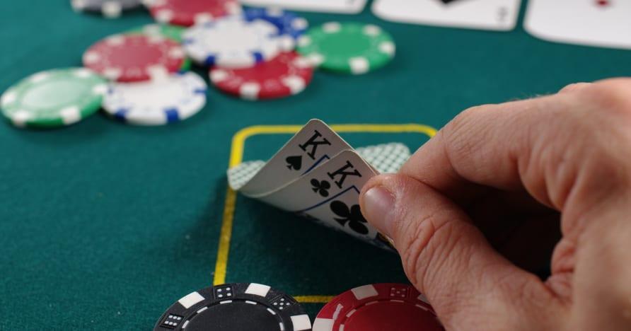 Strategie gry w pokera online