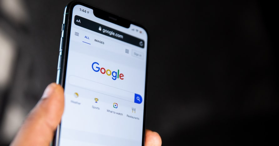 Google zezwala na dystrybucję aplikacji związanych z hazardem na prawdziwe pieniądze w 15 kolejnych krajach
