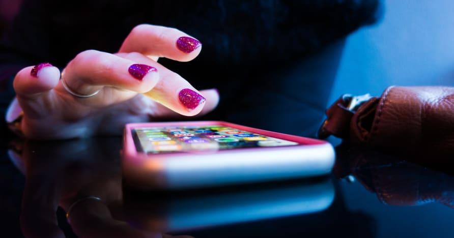 Mobilne kasyno online: aplikacje czy wersje przeglądarki?