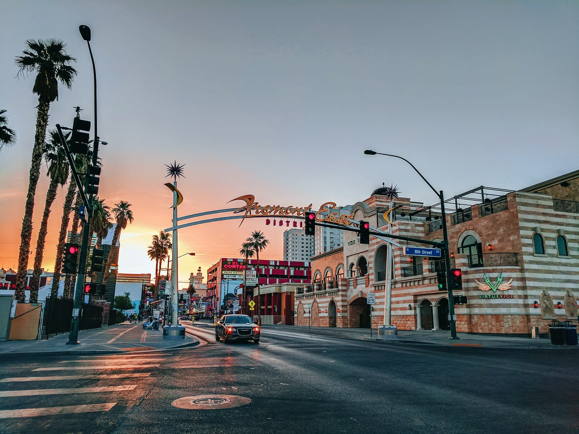 Greentube dodaje Cops 'n' Robbers Vegas Nights do swojego stylu w Las Vegas