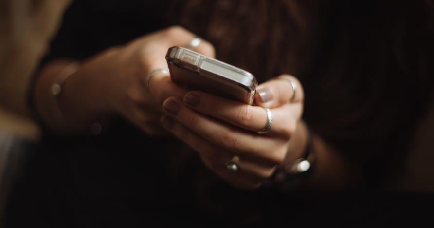 Powody, dla których warto zacząć grać w kasynie online na urządzeniach mobilnych